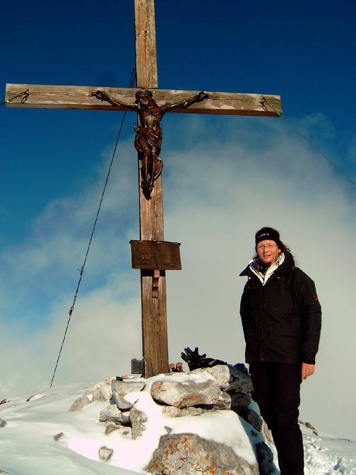 Foto: Andreas Koller / Wandertour / Über die Werfener Hütte auf Streitmandl und Eiskögel (2378  m) / Eiskögel-Gipfelkreuz / 15.05.2007 00:51:56