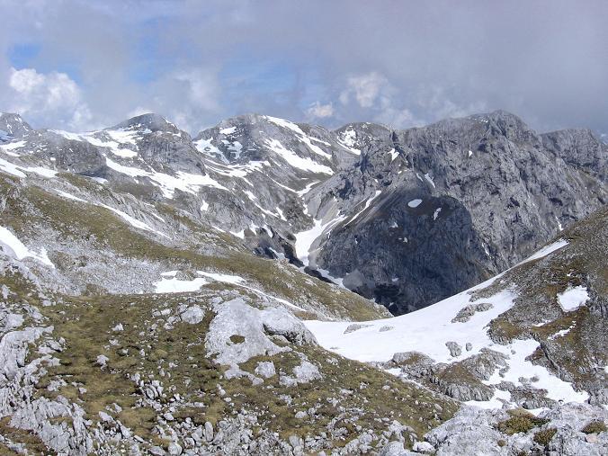Foto: Andreas Koller / Wander Tour / Bleikogel - Runde (2411 m) / Blick auf den Bleikogel - der Weg ist noch sehr, sehr lang / 15.05.2007 01:17:46