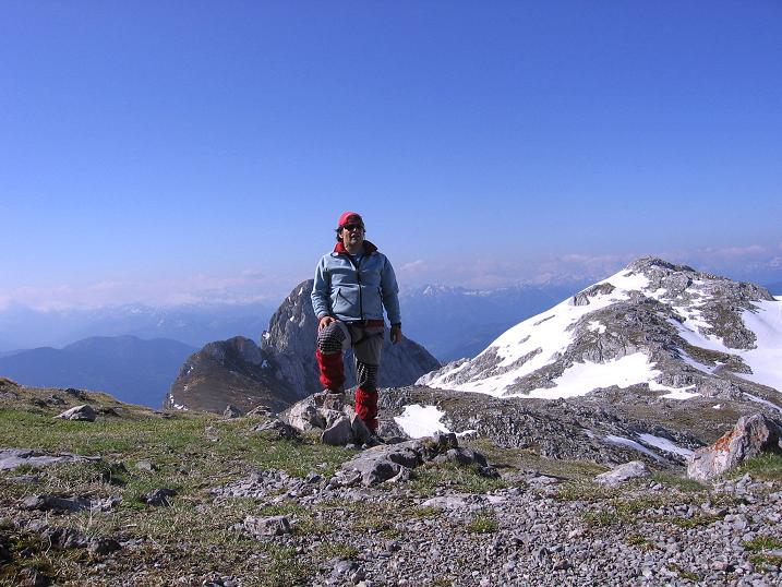 Foto: Andreas Koller / Wander Tour / Bleikogel - Runde (2411 m) / Bei der Edelweißhütte mit Hochthron (2362 m) / 15.05.2007 01:19:29