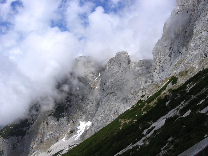Foto: Andreas Koller / Wander Tour / Bleikogel - Runde (2411 m) / Blick auf das Kleine Fieberhorn (2157 m) / 15.05.2007 01:15:22