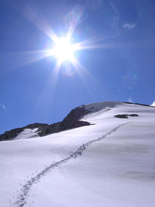 Foto: Andreas Koller / Wander Tour / Raucheck über die Hochthron-Leiter (2431 m) / Einsame Spur auf den Hiefler / 15.05.2007 01:52:44
