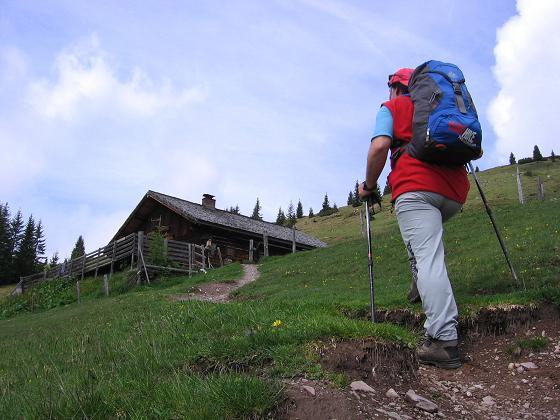 Foto: Andreas Koller / Wander Tour / Raucheck über die Hochthron-Leiter (2431 m) / Die Ellmau Alm / 15.05.2007 01:44:12
