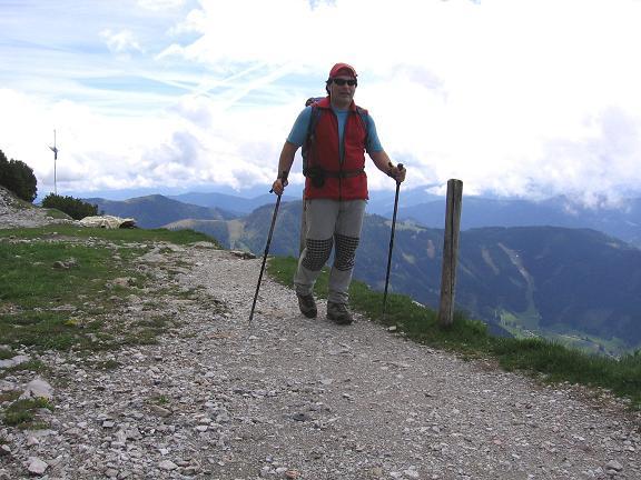 Foto: Andreas Koller / Wander Tour / Raucheck über die Hochthron-Leiter (2431 m) / Die letzten Meter zur Werfener Hütte / 15.05.2007 01:45:17