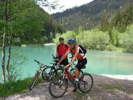 Foto: holdi / Mountainbiketour / Dachsteinrunde (leichte Variante in 3 Tagen) / 15.05.2007 21:50:57