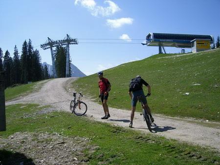 Foto: holdi / Mountainbiketour / Dachsteinrunde (leichte Variante in 3 Tagen) / 15.05.2007 21:55:40