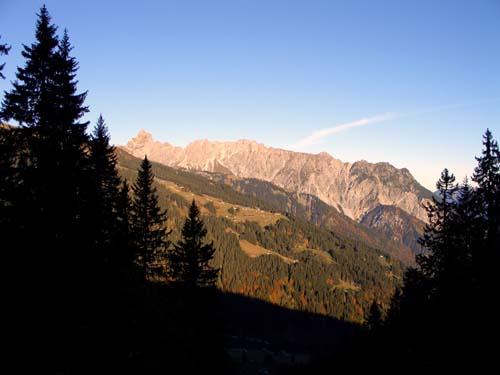 Foto: vince 51 / Wander Tour / Wanderung  von Grabs zur Tilisunahütte / Schigebiet Golm und Vandanser Steinwand mit Zimba / 16.05.2007 22:53:30