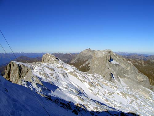 Foto: vince 51 / Wandertour / Von der Tilisunahütte auf die Sulzfluh (2818m) / Drusenfluh, Drusentürme und Schesaplana / 17.05.2007 16:11:47