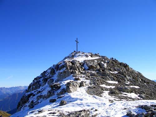Foto: vince 51 / Wandertour / Von der Tilisunahütte auf die Sulzfluh (2818m) / Die letzten Meter auf dem Westrücken / 17.05.2007 16:09:54