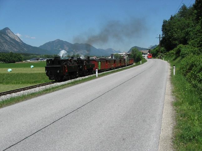 Foto: mucho / Mountainbike Tour / Kaunzalm / am Rückweg zwischen Rotholz und Strass begegner wir der Zillertalbahn / 20.05.2007 22:04:44