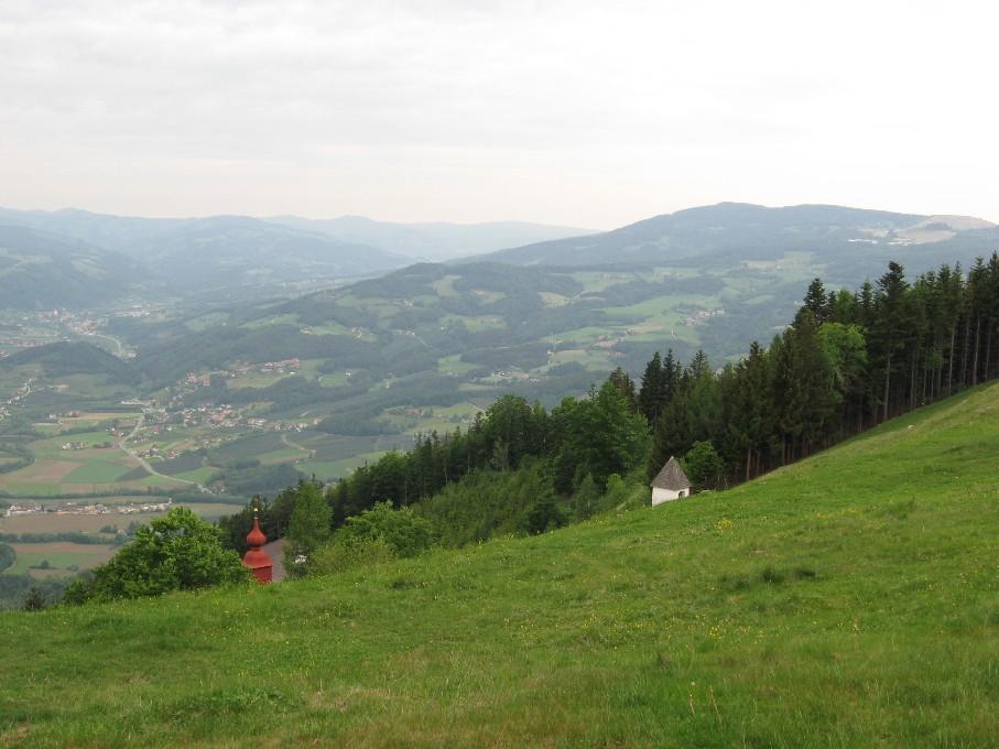 Foto: mucho / Mountainbike Tour / Kulm / Blick vom Kulm Richtung Rabenwald, rechts ist der Talkumtagbau zu erkennen / 21.05.2007 14:52:53