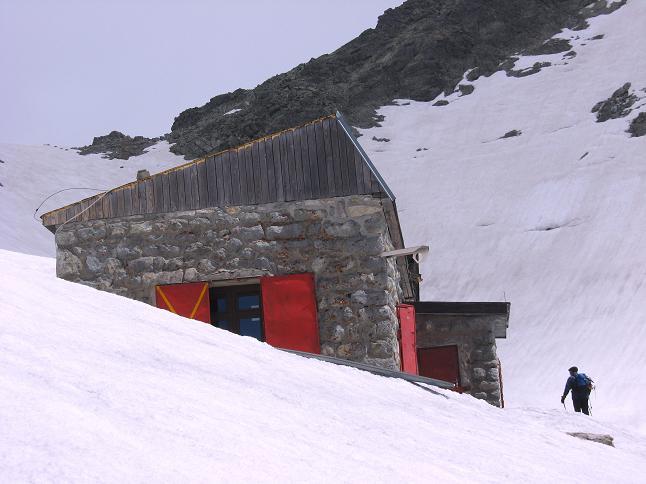 Foto: Andreas Koller / Wandertour / Rysy - Paradeberg der Hohen Tatra (2503 m) / Die Chata pod Rysmi / 21.05.2007 18:54:58