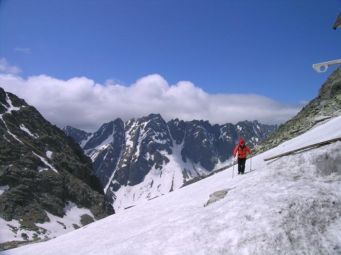 Foto: Andreas Koller / Wandertour / Rysy - Paradeberg der Hohen Tatra (2503 m) / Die letzten Meter zur Hütte / 21.05.2007 18:55:18