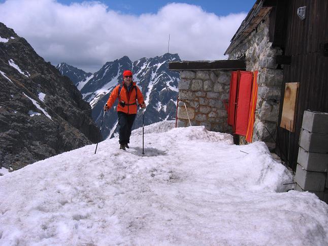 Foto: Andreas Koller / Wandertour / Rysy - Paradeberg der Hohen Tatra (2503 m) / Bei der Chata pod Rysmi / 21.05.2007 18:55:32