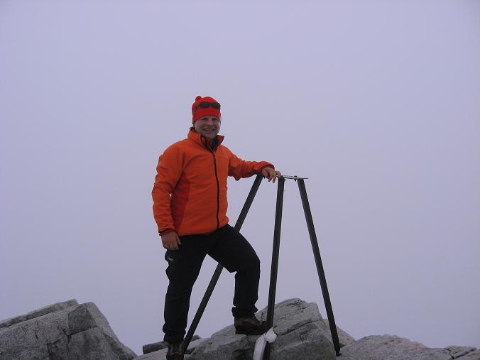 Foto: Andreas Koller / Wandertour / Rysy - Paradeberg der Hohen Tatra (2503 m) / Am (polnischen) Rysy-Gipfel (Grenze Polen - Slowakei) / 21.05.2007 18:56:29