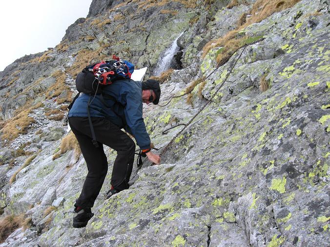 Foto: Andreas Koller / Wandertour / Rysy - Paradeberg der Hohen Tatra (2503 m) / Ketten und Klammern zur Sicherung / 21.05.2007 18:59:11