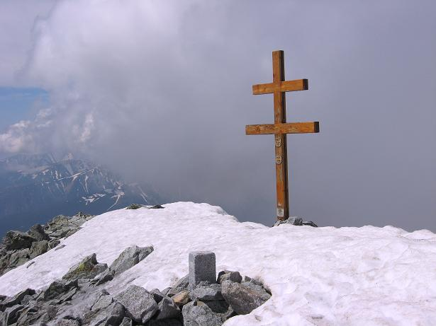 Foto: Andreas Koller / Wander Tour / Krivan von Strbske pleso (2494 m) / Gipfelkreuz am Krivan / 21.05.2007 19:39:25