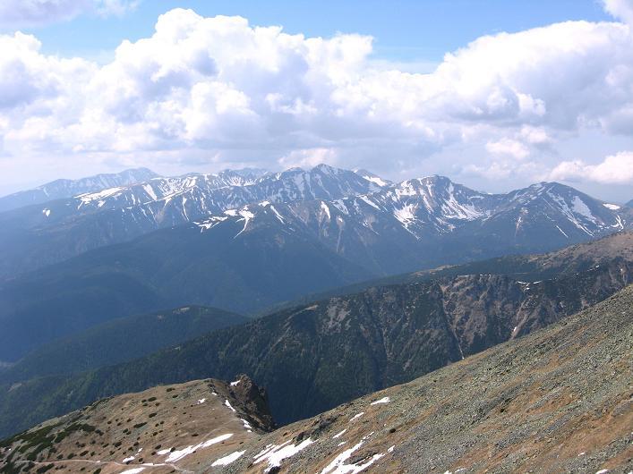Foto: Andreas Koller / Wander Tour / Krivan von Strbske pleso (2494 m) / Blick nach W in die Weiße Tatra / 21.05.2007 19:42:31