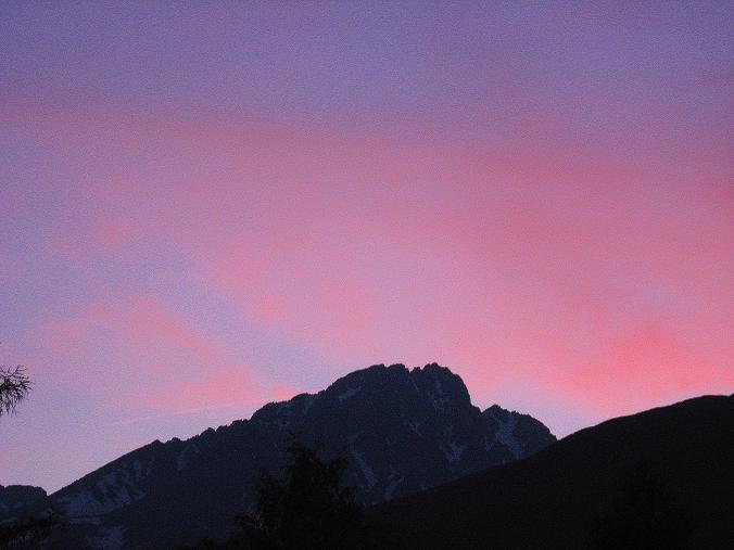 Foto: Andreas Koller / Wander Tour / Krivan von Strbske pleso (2494 m) / Abendstimmung über der Gerlachovsky stit (2655 m, höchster Gipfel der Hohen Tatra) / 21.05.2007 19:46:43