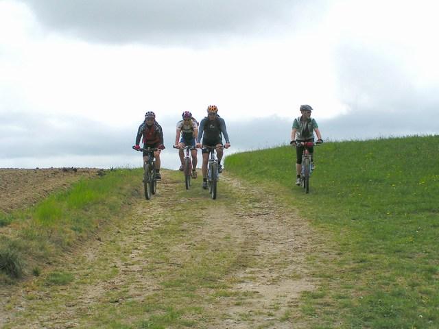 Foto: Jürgen Lindlbauer / Mountainbike Tour / Von Unterweitersdorf nach Ottenschlag im Mühlkreis / Feldweg von Baumgartenberg Richtung Lamm / 21.05.2007 22:22:35