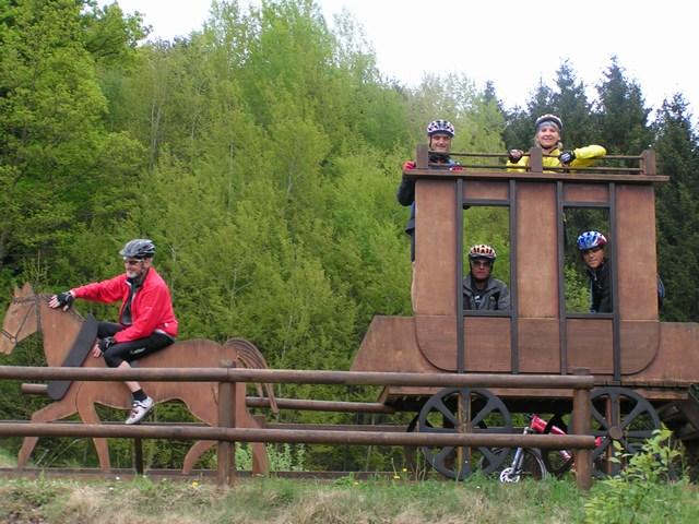 Foto: Jürgen Lindlbauer / Mountainbiketour / Von Unterweitersdorf nach Ottenschlag im Mühlkreis / Auf der alten Pferdeeisenbahntrasse bei Stroblmühle / 21.05.2007 22:27:07