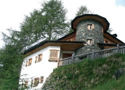 Foto: Tirol Werbung / Wander Tour / Adlerweg Etappe O 04 - Ein Schlössl über Prägraten / 26.07.2007 10:34:07