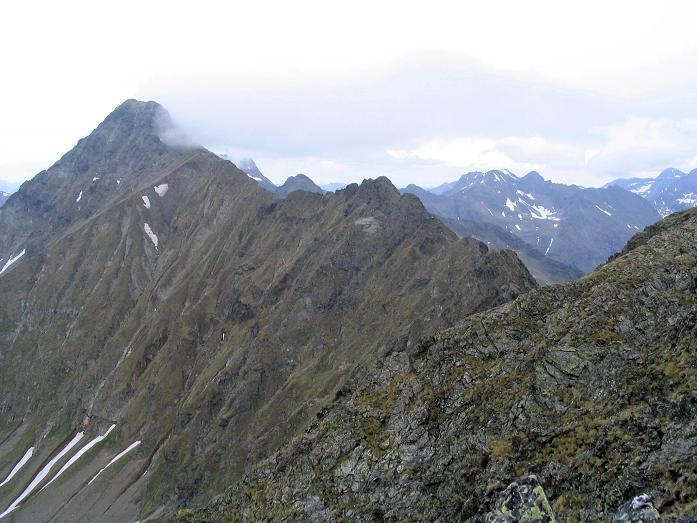 Foto: Andreas Koller / Wander Tour / Gummaberg und Kreuzhöhe (2566 m) / Der Grat zum Kasereck (2740 m) / 28.05.2007 10:40:15