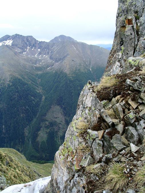Foto: Andreas Koller / Wander Tour / Gummaberg und Kreuzhöhe (2566 m) / Roteck (2742 m) und Preber (2740 m) von der kleinen Scharte unterhlab des Gipfels / 28.05.2007 10:39:53