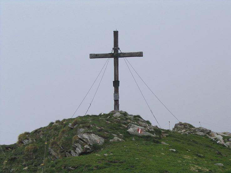 Foto: Andreas Koller / Wander Tour / Gummaberg und Kreuzhöhe (2566 m) / Gipfelkreuz am Gumma / 28.05.2007 10:45:12