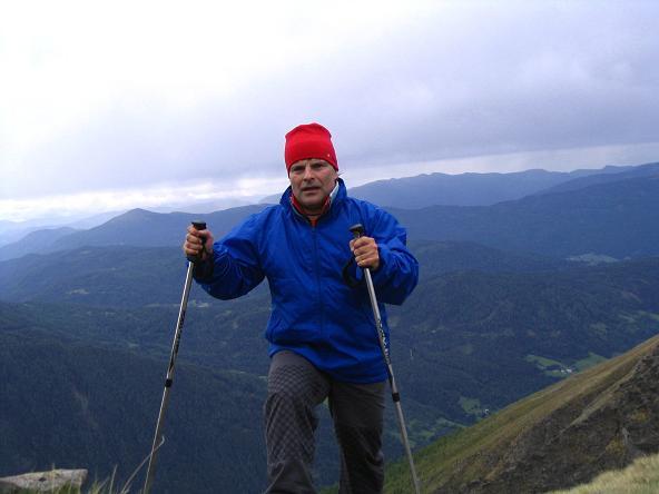 Foto: Andreas Koller / Wander Tour / Gummaberg und Kreuzhöhe (2566 m) / Aufstieg hoch über Lessach-, Göriachtal und Tamsweg / 28.05.2007 10:44:03