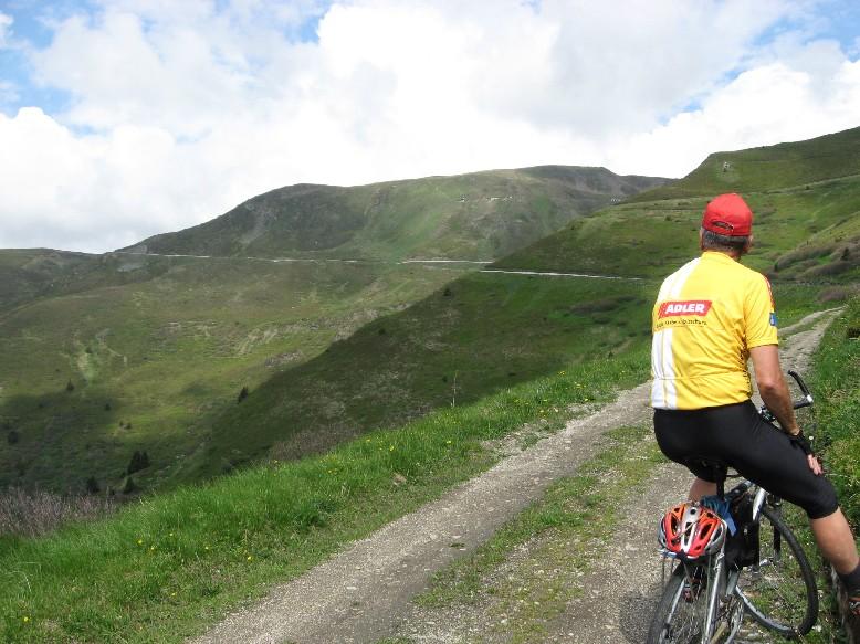 Foto: mucho / Mountainbiketour / Sandjöchl / Der ganze Rücken wird befahren / 29.05.2007 14:03:53