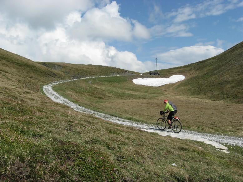 Foto: mucho / Mountainbiketour / Sandjöchl / Das Sandjöchl in Sicht / 29.05.2007 14:04:33