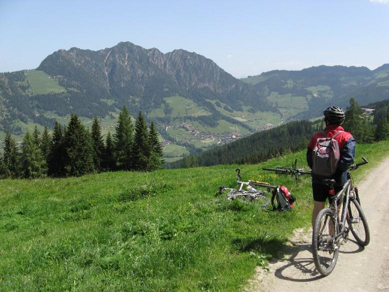 Foto: mucho / Mountainbike Tour / Hochlindalm / Zur Gratlspitze / 29.05.2007 15:30:18