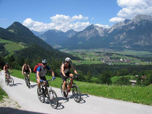 Foto: Lenswork.at / Ch. Streili / Mountainbike Tour / Alpbach - Bischoferalm - Holzalm (Route: 304 MTB Tour tiris) / 02.07.2007 13:44:28