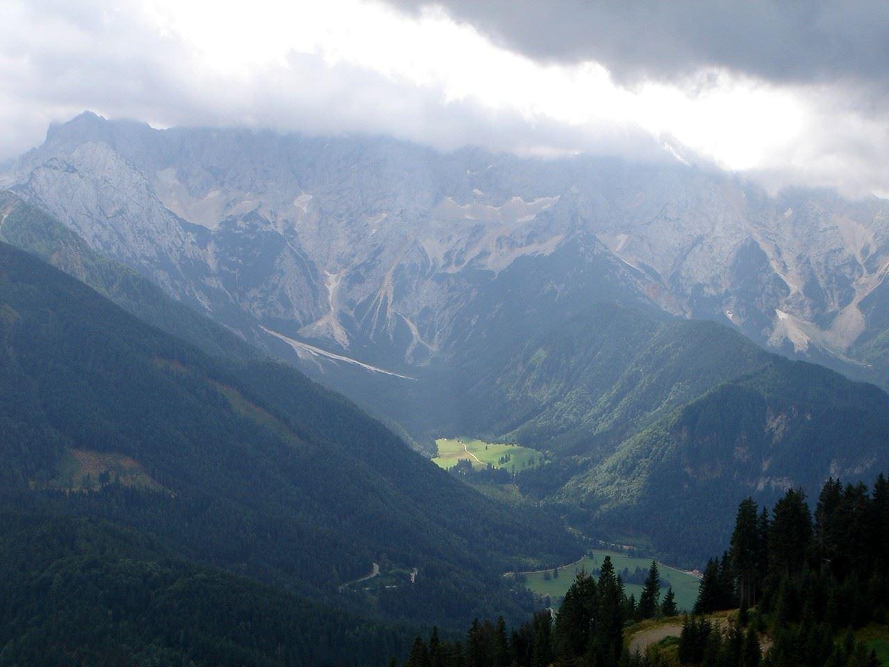 Foto: Manfred Karl / Wander Tour / Über den Krainersteig auf den Kärntner Storschitz / Lichtblicke1 / 03.06.2007 17:58:55