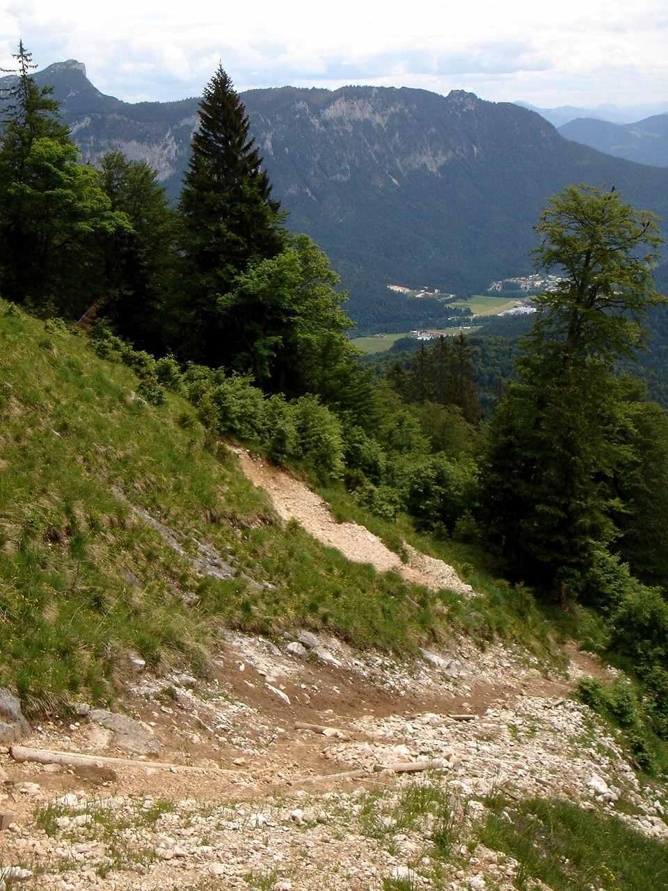 Foto: Manfred Karl / Wander Tour / Törlkopf, 1704 m / Die Erosionsstelle unterhalb des Gratkammes. / 03.06.2007 20:47:49