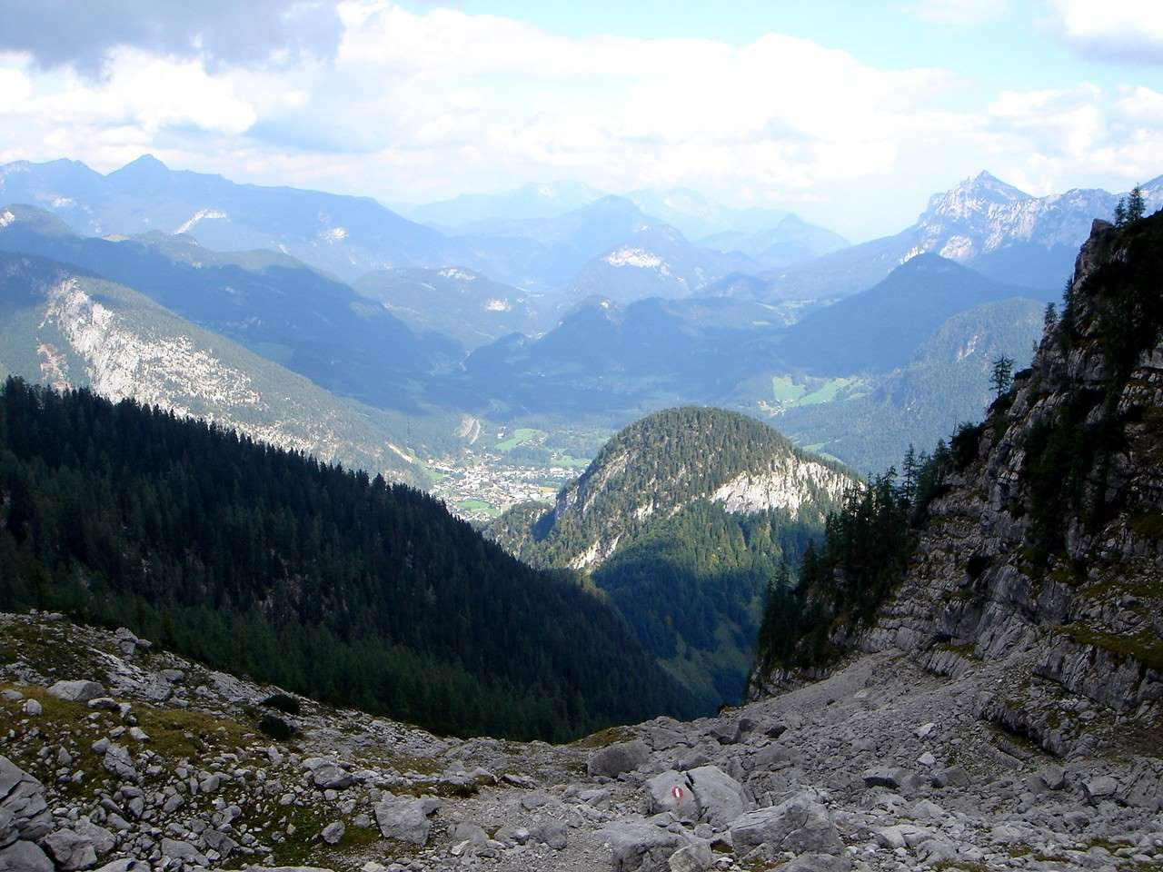 Foto: Manfred Karl / Wander Tour / Großes Ochsenhorn über Schärdinger Steig / Blick hinaus nach Lofer / 16.06.2007 00:18:13