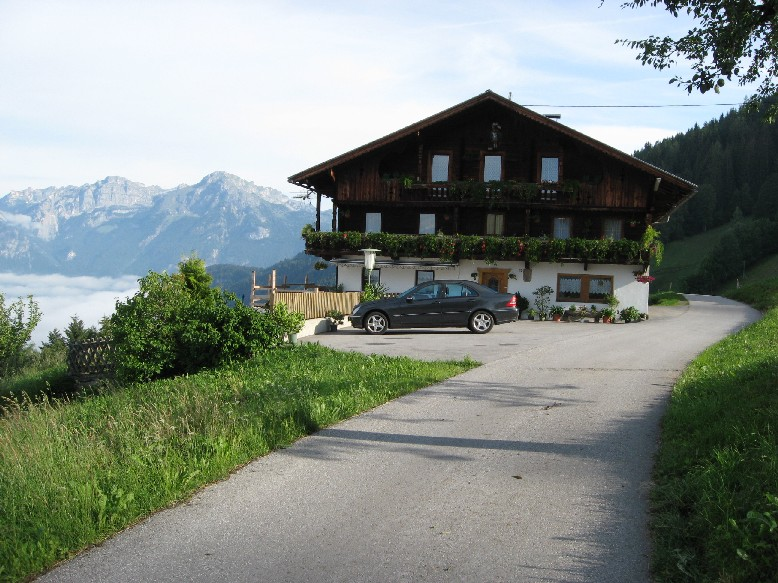 Foto: mucho / Mountainbike Tour / Wiedersberger Horn / Bichlhof, hinten Rofan / 06.06.2007 22:49:19