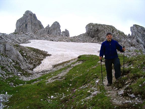 Foto: Andreas Koller / Wander Tour / Über die Gsollhütte auf die TAC-Spitze (2019 m) / Im kleinen Hochbecken mit TAC-Spitze / 07.06.2007 22:58:27