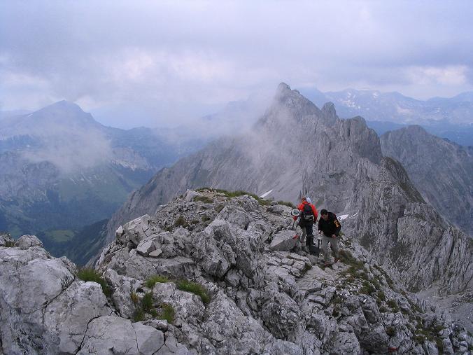 Foto: Andreas Koller / Wander Tour / Über die Gsollhütte auf die TAC-Spitze (2019 m) / Von der TAC-Spitze Blick auf den Griesmauerkogel (2034 m) / 07.06.2007 23:00:12