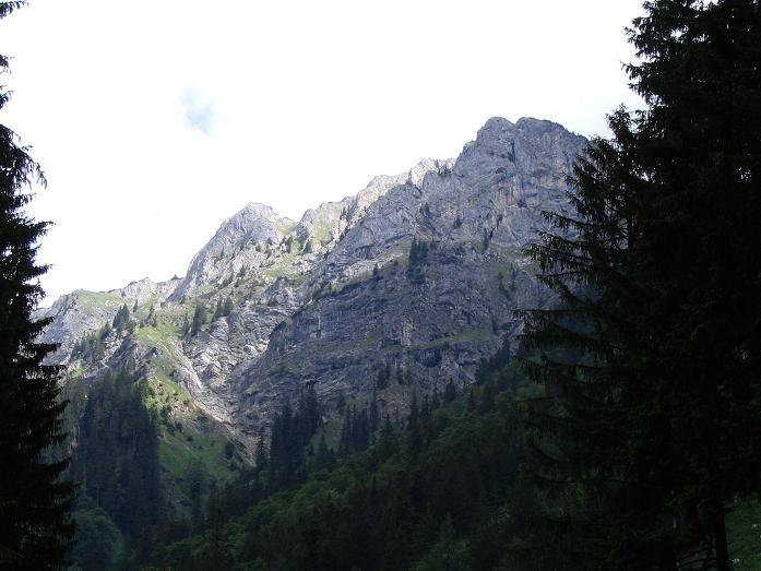 Foto: Andreas Koller / Wander Tour / Über die Gsollhütte auf die TAC-Spitze (2019 m) / Sonnstein (1847 m) im Anstieg zur Gsollhütte / 07.06.2007 22:54:26