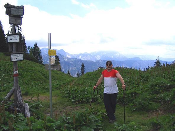 Foto: Andreas Koller / Wander Tour / Über die Gsollhütte auf die TAC-Spitze (2019 m) / Am Neuwaldegg Sattel mit Blick ins Herz der Hochschwabgruppe / 07.06.2007 22:56:33