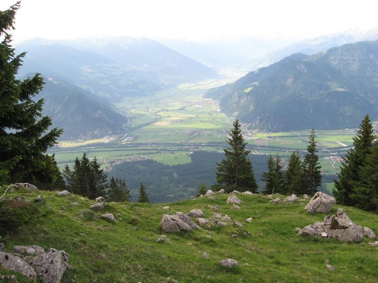 Foto: mucho / Mountainbike Tour / Sonnwendbichlalm Bayreutherhütte Münster / Ein Blick ins Zillertal / 08.06.2007 18:42:40