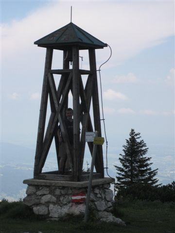 Foto: Alpinfreunde / Wandertour / Hochleckenkogel, Brunnkogel, Hochleckenhaus / Glocke am Hochleckenhaus / 10.06.2007 20:21:41