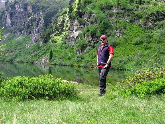 Foto: Andreas Koller / Wander Tour / Über die Hans Wödl Hütte auf die Hochwildstelle (2747 m) / Rast am Obersee / 11.06.2007 21:10:22