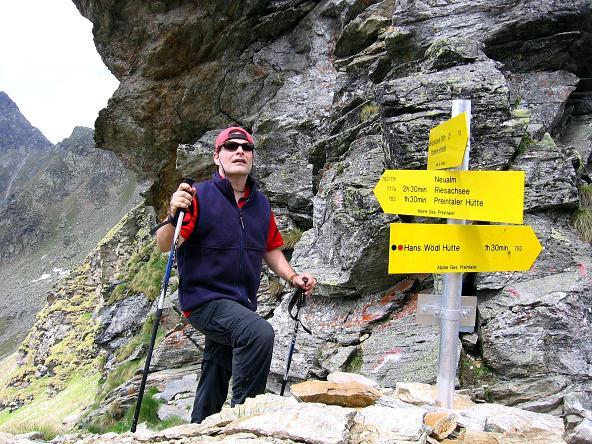 Foto: Andreas Koller / Wander Tour / Über die Hans Wödl Hütte auf die Hochwildstelle (2747 m) / In der Neualmscharte / 11.06.2007 21:14:17