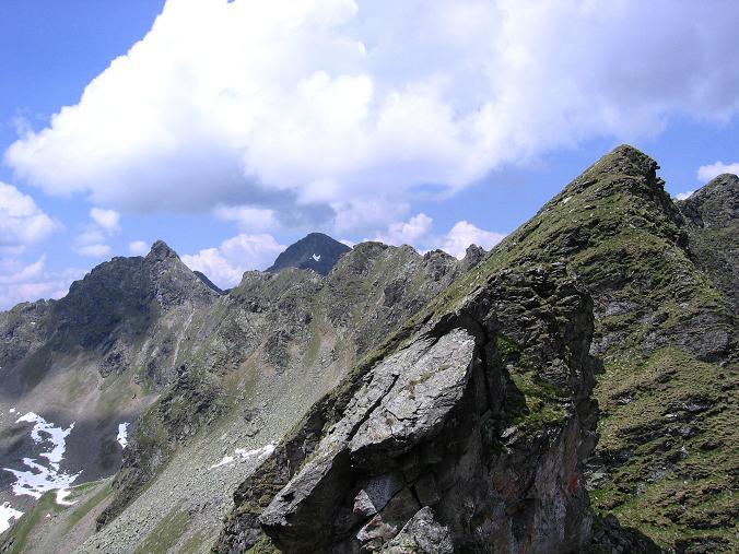 Foto: Andreas Koller / Wander Tour / Über die Hans Wödl Hütte auf die Hochwildstelle (2747 m) / Blick nach N auf den Höchstein (2543 m) / 11.06.2007 21:14:36
