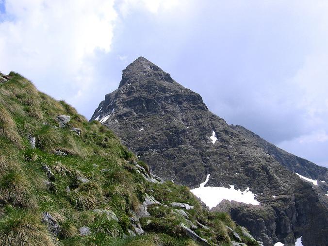 Foto: Andreas Koller / Wander Tour / Über die Hans Wödl Hütte auf die Hochwildstelle (2747 m) / In der W-Flanke der Kleinen Wildstelle mit Blick auf die Anstiegsroute auf die Hochwildstelle / 11.06.2007 21:16:39