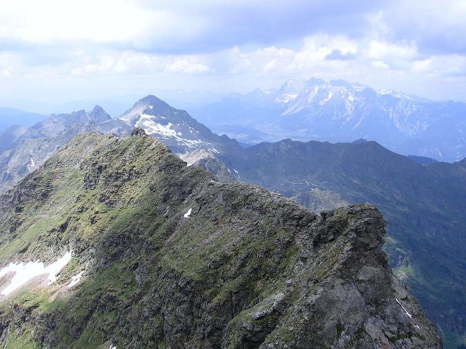 Foto: Andreas Koller / Wander Tour / Über die Hans Wödl Hütte auf die Hochwildstelle (2747 m) / Der Anstiegsgrat, der über die Kleine Wildstelle zieht / 11.06.2007 21:17:34