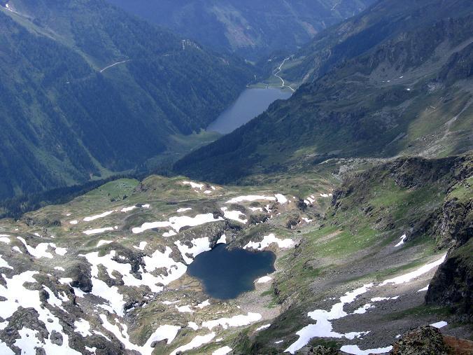 Foto: Andreas Koller / Wander Tour / Über die Hans Wödl Hütte auf die Hochwildstelle (2747 m) / Blick auf den Riesach- und den Kaltenbachsee / 11.06.2007 21:18:56