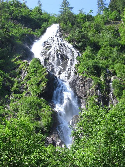 Foto: Andreas Koller / Wander Tour / Über die Hans Wödl Hütte auf die Hochwildstelle (2747 m) / Wasserfall im Talschluss / 11.06.2007 21:08:10